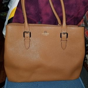 😘Light brown leather  kate spade (large) 😘
